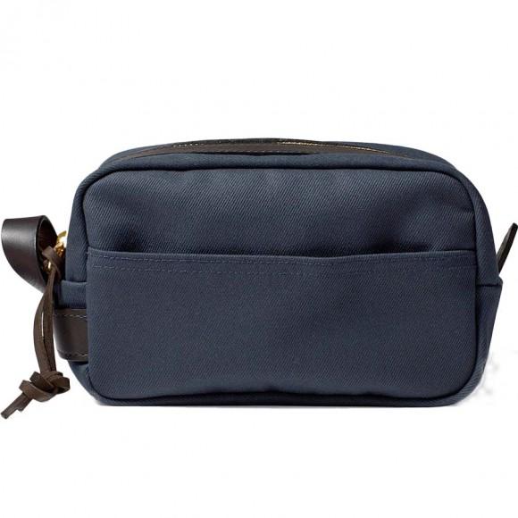 filson-trousse-de-toilette-bleue-filson-70218-travel-kit-navy-filson.jpg 0a2bf3674e