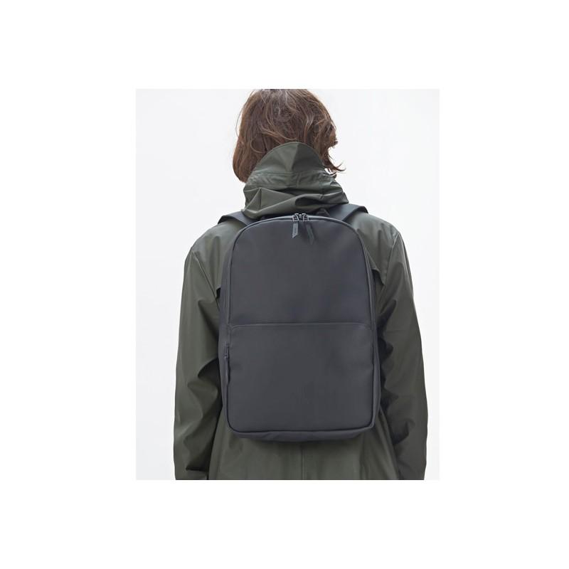 05736d12 Rains Field Bag Black 79,95 €